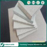 Preço moderado Flakeboard aglomerado de madeira para decoração/móveis