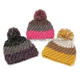 Chapeau/chapeau tricotés acryliques chauds personnalisés de crâne de Beanie de l'hiver