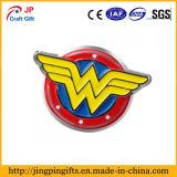Kundenspezifisches heißer Verkaufs-kreatives Firmenzeichen-Form-Abzeichen