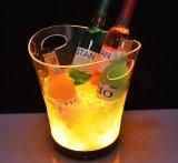 Il modo caldo su ordinazione Champagne di vendita imbottiglia la benna di ghiaccio, la vasca del partito del vino, il dispositivo di raffreddamento della birra, benna di ghiaccio acrilica del vino del LED con la maniglia