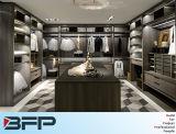 De moderne Gang van de Kast van de Slaapkamer HPL in Garderobe