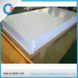 Anunciando a folha branca do sólido do policarbonato do espaço livre contínuo da placa do policarbonato