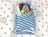 赤ん坊の教育プラシ天のおもちゃのための青いくまタオル
