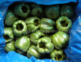 Замороженный зеленый перец колокола или замороженные овощи