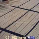 Prix bas moins de plancher extérieur de la maintenance WPC à vendre