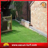 Verde barato que ajardina la hierba sintetizada de la falsificación del césped para el jardín