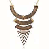 レトロの幾何学的なTrangleの女の子のための金によってめっきされる合金のセーターのネックレス