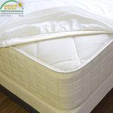 Rayón suave estupendo del protector impermeable del colchón de Jersey del polvo del ácaro de la protección del grupo adulto de bambú de la reina