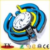 Jolie horloge figure insigne métallique