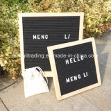 Buche-Holzrahmen, der Letterboard Filz-Zeichen-Vorstand bekanntmacht