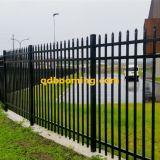 3つの柵の装飾用に管状に囲うこと