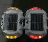 Les goujons de clignotement solaires de route de plots réflectorisés des ventes chaudes DEL reçoivent personnalisé