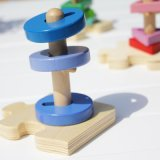 Giocattolo d'apprendimento educativo della spina di puzzle di figura del sorter dei bambini di legno creativi dell'impilatore