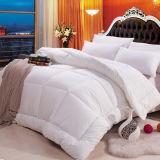 卸し売り高品質ポリエステル慰める人のホテルポリエステル羽毛布団中国