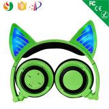 白熱ライトが付いているFoldable猫耳のヘッドホーンのステレオの無線ヘッドホーン
