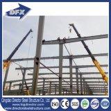 Armazém claro do frame do espaço da construção de aço