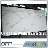 自然な一見のCalacattaの白い大理石の水晶石の平板