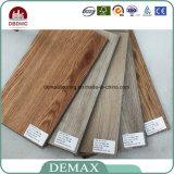 Plancher de luxe de vinyle de PVC de cliquetis de sembler du bois résistant de Wera