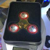 O girador da mão do diodo emissor de luz para o esforço alivia