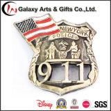 Médaille de Pin de forme de coeur de calcul des coûts de diamètre avec la police faite sur commande de pays des syndicats de logo et indicateur pour l'emblème 911