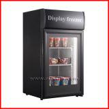 Mini congelador do gelado