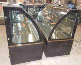 De zwarte Marmeren Showcase van de Vertoning van de Cake van de Basis in de Winkel van de Bakkerij