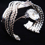 QUALITÄTS-Armband-Uhr 2017 Form-Frauen Handketten