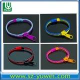 2013 Nouveau mode de fermeture à glissière plastique Bracelets Bandes de fermeture à glissière