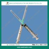 A seringa descartável da alta qualidade com agulha Ce&ISO aprovou
