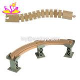 2018 Nuevos accesorios de la vía más calientes de las vías del tren de madera para niños W04c143