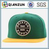 カスタマイズされたデザイン3D刺繍100%のアクリルの急な回復の帽子