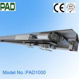 Operador automático da porta com modelo claro