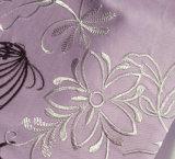 De lichtpaarse Reeks van het Beddegoed van de Bloemen en van het Borduurwerk Butterfies van Vogels
