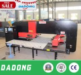 Máquina-instrumento Ce/ISO/SGS de perfuração da torreta do CNC D-T50