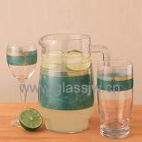 Чашка стекла установленная