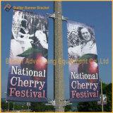 Parentesi della bandiera del palo chiaro della via di media di immagine di pubblicità esterna