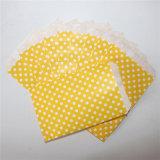 Sacs de papier jaunes rayés respectueux de l'environnement de festin pour l'usager