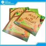 O livro infantil duro da placa da tampa imprimiu