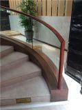MD Kh. Bois massif avec escalier en verre trempé Main courante