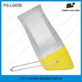 En el interior de color amarillo de linterna de panel solar portátil al aire libre