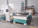 3 têtes pneumatiques Wood CNC Router Machine