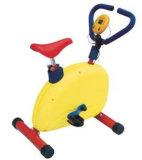 La bici infantile scherza la strumentazione/giocattolo di forma fisica
