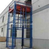 SaleのためのチェーンHydraulic Cargo Lift Platform