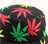 Шлем ведра с логосом напечатанным кленовым листом