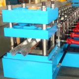 ハイウェイのガードレールのための機械を形作るロール