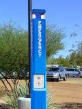 Angeschaltene VoIP Emergency Kontrollturm-blaue helle Telefon-Hilfen-Solarstation