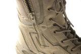 身に着けているResisting Flame -抑制剤の2016年のMilitaryの砂漠Boots