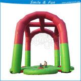 Aufblasbares Federelement, das für Kind u. Erwachsenen springt