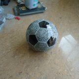 Scultura di pietra naturale cinese di gioco del calcio del granito