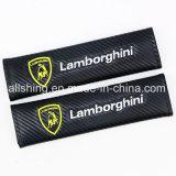Le carbone de ceinture de sécurité de logo de véhicule de Lamborghini couvre des garnitures d'épaule